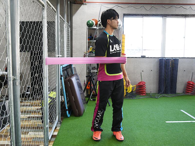 肩甲下筋トレーニング身体捻る