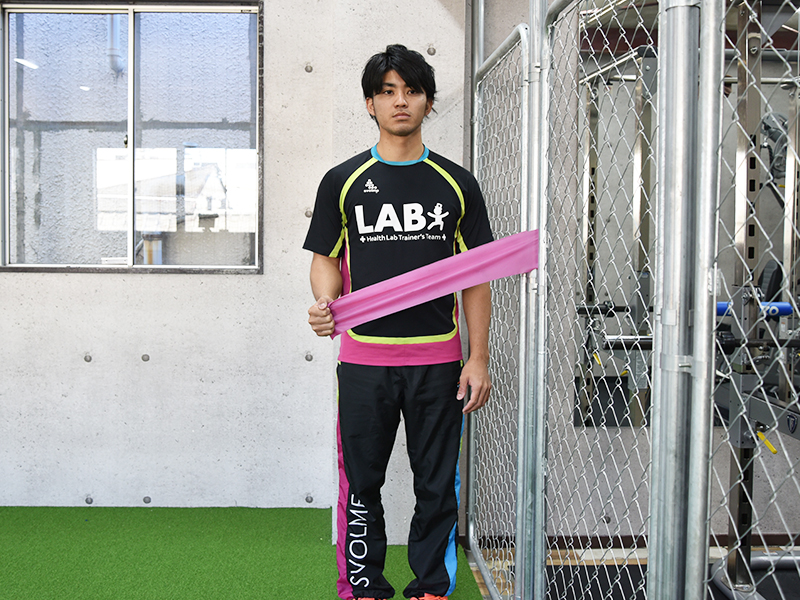 棘下筋トレーニング悪い姿勢肘が伸びすぎ