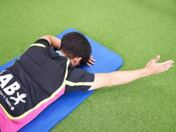 投球時に肩甲骨を安定させる僧帽筋下部繊維の役割とトレーニング方法