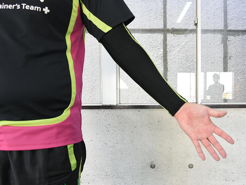 棘上筋セルフチェックの手の向き